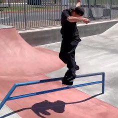 Stylish 2 piece from @giovanni_vianna : @instapizzle #shralpin #skateboarding…