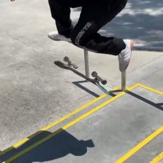 Stylish bangers at the park with @shaysandiford #shralpin #skateboardingisfun…
