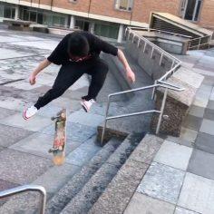 Vibin @versace_plug #shralpin #skateboard…
