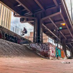 Blasting through the #brooklynbanks with @mattkruz  : @nyrampco @extracrispynyc …