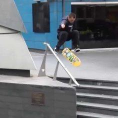 fakie hardflip @masonsilva : @ryanree & @robbalpine #shralpin #skateboarding…