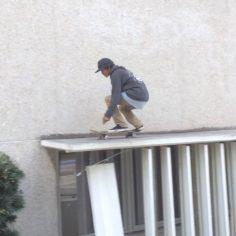 Fs flip off the West La Courthouse drop @vinniebanh!  : @darriushutton…