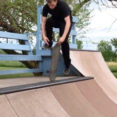 Mind boggling skateboarding by @anyskate via @shaunhover…