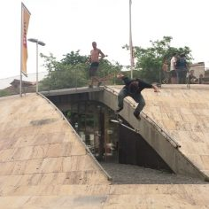 Smooth @_carlosmcosta : @nuno_gaia #skateeverydamnday…